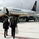 Зміни в правилах Ryanair: з 1 листопада ручну поклажу доведеться здавати в багажний відсік