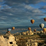 На воздушных шарах в турецкой Каппадокии за год полетали 250 тысяч туристов. Русскоязычным — дороже