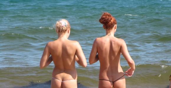 На пляже в Крыму