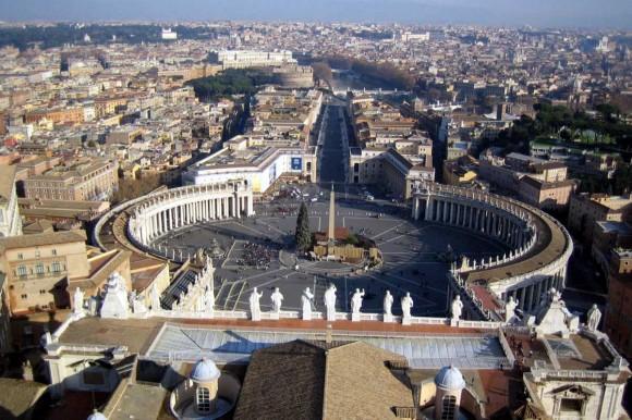 Вид на Рим з собору святого Петра у Ватикані
