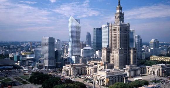Палац культури і науки у Варшаві чимось нагадує харківський Держпром