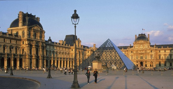 France_Ukraine_louvre-paris