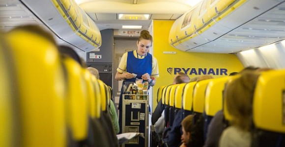Ryanair_cabin_catering