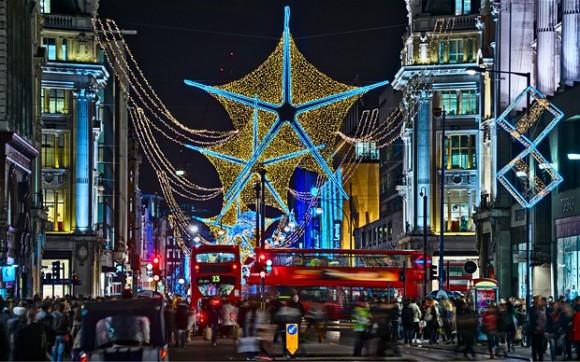 Оксфорд-стрит во время рождественских распродаж