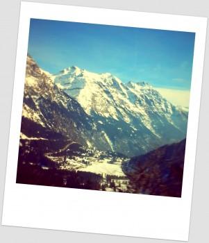 Вид з автобуса на Альпи. Фото автора