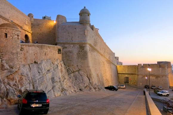 Фортечні мури