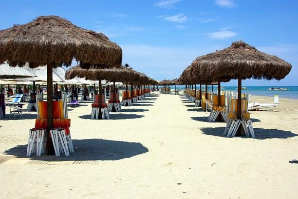 Пляж на Адріатичному узбережжі в місті Пескара