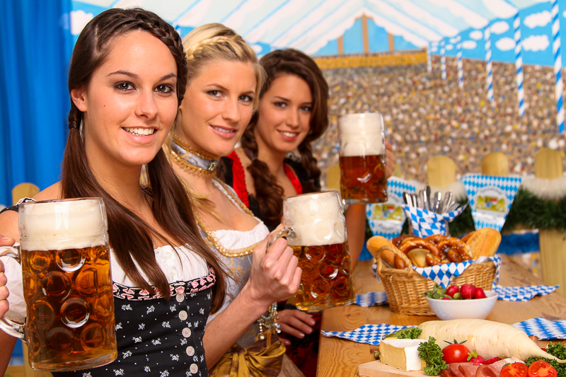 oktoberfest_girls.jpeg