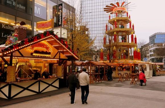 """Вертеп із """"вертушкою"""" є майже на кожному різдвяному ярмарку. Дортмунд"""