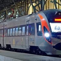 В Україні з'явиться 4 тисячі додаткових квитків на поїзди завдяки скасуванню броні