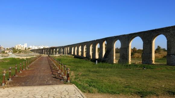 Larnaca Solt Lake - walk around - aqueduct (2)