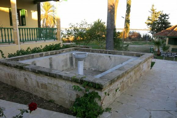 Larnaca Solt Lake - walk around - mosque Tekke (10)