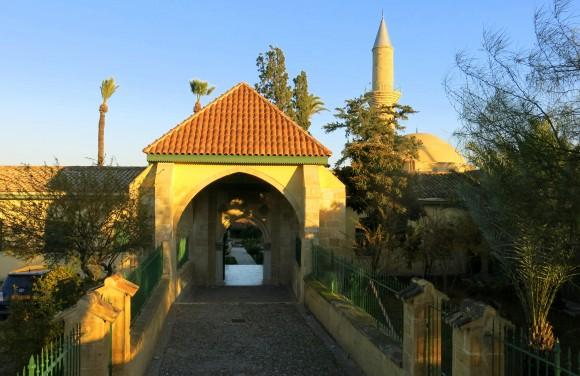 Larnaca Solt Lake - walk around - mosque Tekke (8)