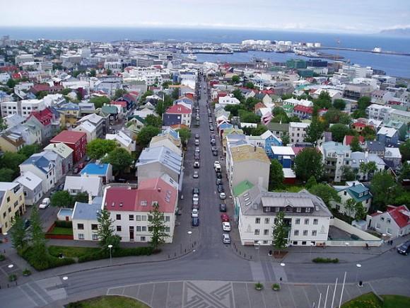 Рейк'явік, столиця Ісландії. Фото Yelkrokoyade/Wkimedia