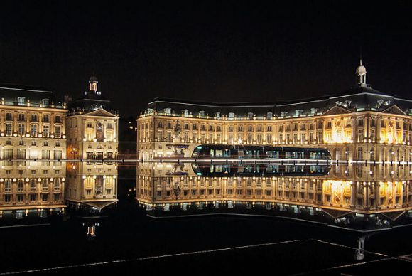 Bordeaux-place-de-la-bourse