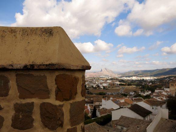 """Вид на Антекеру із середньовічної фортеці Алькасаба. Фото """"Смак подорожника"""""""