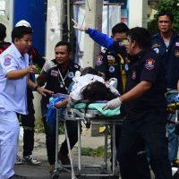 Від вибухів у Таїланді постраждали іноземні туристи. Поліція запевняє, що це справа рук місцевих терористів