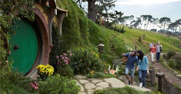 """Туристи в Новій Зеландії - в місцях """"бойової слави"""" хобітів"""
