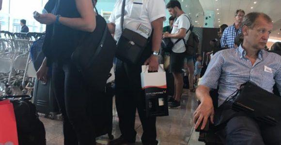 Лідер КПУ Петро Симоненко в аеропорту Барселони