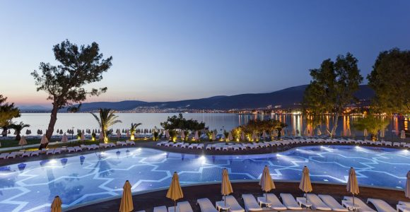 """На """"офіційних"""" фото готель Aurum Exclusive Club має значно кращий вигляд, ніж на фотографіях туристів"""