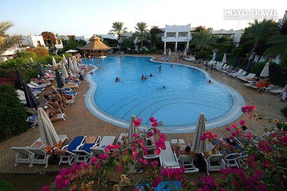 Територія готелю Mexicana Sharm Resort